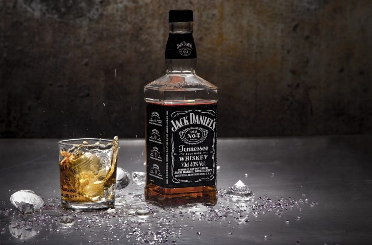 jack-daniels-and-mixer-759x500